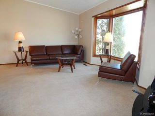 Photo 2: 512 Springfield Road in WINNIPEG: North Kildonan Residential for sale (North East Winnipeg)  : MLS®# 1509585