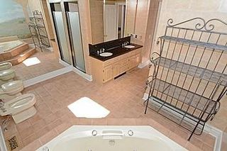 Photo 7: 7 Walnut Glen Place in Markham: Devil's Elbow House (2-Storey) for sale : MLS®# N3195427