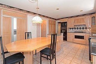 Photo 2: 7 Walnut Glen Place in Markham: Devil's Elbow House (2-Storey) for sale : MLS®# N3195427