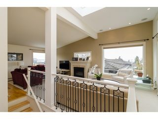Photo 2: 1178 DOLPHIN Street: White Rock House for sale (South Surrey White Rock)  : MLS®# F1443677
