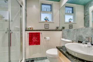 Photo 16: 992 KINSAC Street in Coquitlam: Coquitlam West House for sale : MLS®# R2032889