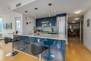 Photo 5: 602 133 E ESPLANADE in North Vancouver: Lower Lonsdale Condo for sale : MLS®# R2054454
