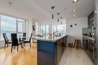 Photo 4: 602 133 E ESPLANADE in North Vancouver: Lower Lonsdale Condo for sale : MLS®# R2054454