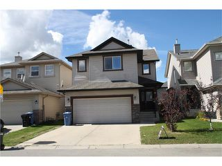 Photo 2: 157 SADDLECREST Crescent NE in Calgary: Saddle Ridge House for sale : MLS®# C4080225