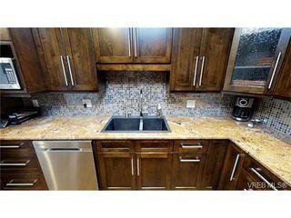 Photo 5: 4641 Lochside Drive in VICTORIA: SE Broadmead Strata Duplex Unit for sale (Saanich East)  : MLS®# 373959