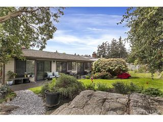 Photo 18: 4641 Lochside Drive in VICTORIA: SE Broadmead Strata Duplex Unit for sale (Saanich East)  : MLS®# 373959