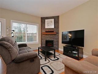 Photo 3: 9 1893 Prosser Road in SAANICHTON: CS Saanichton Townhouse for sale (Central Saanich)  : MLS®# 375240