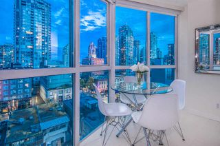 "Photo 9: 807 1188 HOWE Street in Vancouver: Downtown VW Condo for sale in ""1188 HOWE"" (Vancouver West)  : MLS®# R2162667"