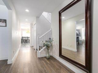 """Photo 2: 22621 FRASERBANK Crescent in Richmond: Hamilton RI House for sale in """"HAMILTON RI"""" : MLS®# R2169940"""