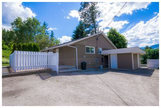 Photo 4: 1121 Southeast 1st Street in Salmon Arm: Southeast House for sale : MLS®# 10136381