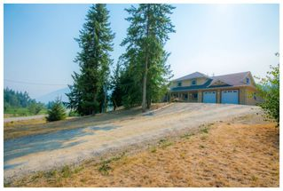 Photo 3: 1575 Recline Ridge Road in Tappen: Recline Ridge House for sale : MLS®# 10180214