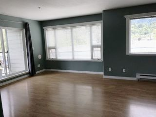 "Photo 7: 201 1460 PEMBERTON Avenue in Squamish: Downtown SQ Condo for sale in ""Marina Estates"" : MLS®# R2196678"
