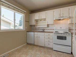Photo 13: 11036 BRATON Place SW in Calgary: Braeside House for sale : MLS®# C4136035