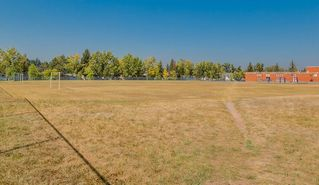 Photo 7: 11036 BRATON Place SW in Calgary: Braeside House for sale : MLS®# C4136035