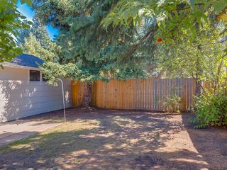 Photo 3: 11036 BRATON Place SW in Calgary: Braeside House for sale : MLS®# C4136035