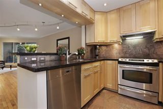 Photo 1: 112 1910 CHESTERFIELD Avenue in North Vancouver: Central Lonsdale Townhouse for sale : MLS®# R2213948