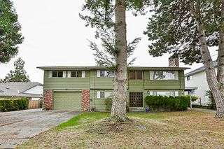 Photo 1: 15880 20TH Avenue in Surrey: King George Corridor House for sale (South Surrey White Rock)  : MLS®# R2217198