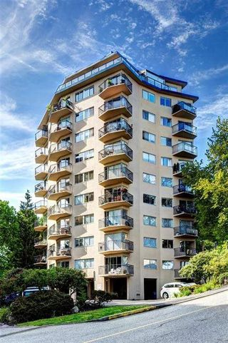 """Photo 11: 702 1930 MARINE Drive in West Vancouver: Ambleside Condo for sale in """"Park Marine"""" : MLS®# R2238256"""
