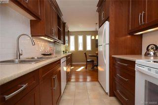 Main Photo: 107 1012 Pakington Street in VICTORIA: Vi Fairfield West Condo Apartment for sale (Victoria)  : MLS®# 390850