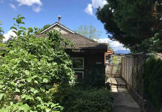 Photo 2: 2587 E 18TH Avenue in Vancouver: Renfrew Heights House for sale (Vancouver East)  : MLS®# R2282577