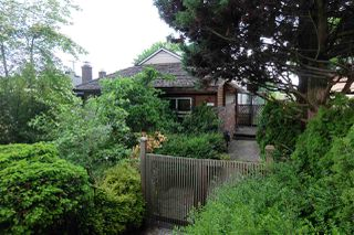 Photo 1: 2587 E 18TH Avenue in Vancouver: Renfrew Heights House for sale (Vancouver East)  : MLS®# R2282577