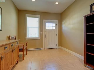 Photo 2: 4 4583 Wilkinson Rd in VICTORIA: SW Royal Oak Row/Townhouse for sale (Saanich West)  : MLS®# 794134