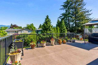 "Photo 2: 20887 ALPINE Crescent in Maple Ridge: Northwest Maple Ridge House for sale in ""CHILCOTIN"" : MLS®# R2295797"