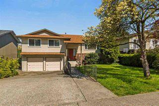 "Photo 1: 20887 ALPINE Crescent in Maple Ridge: Northwest Maple Ridge House for sale in ""CHILCOTIN"" : MLS®# R2295797"