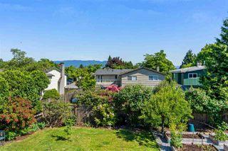 "Photo 3: 20887 ALPINE Crescent in Maple Ridge: Northwest Maple Ridge House for sale in ""CHILCOTIN"" : MLS®# R2295797"