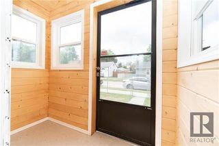 Photo 3: 659 Martin Avenue East in Winnipeg: Residential for sale (3B)  : MLS®# 1822434