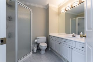 "Photo 13: 117 13900 HYLAND Road in Surrey: East Newton Townhouse for sale in ""Hyland Grove"" : MLS®# R2328068"