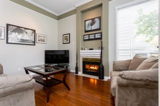 "Photo 3: 117 13900 HYLAND Road in Surrey: East Newton Townhouse for sale in ""Hyland Grove"" : MLS®# R2328068"