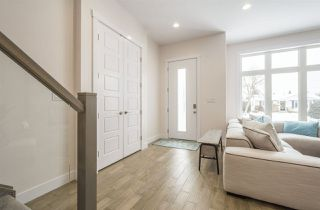 Photo 3: 9025 145 Street in Edmonton: Zone 10 House for sale : MLS®# E4141273