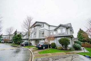 Photo 2: 14 7250 144 Street in Surrey: East Newton Townhouse for sale : MLS®# R2335077