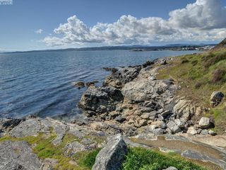 Photo 20: 304 1121 Esquimalt Road in VICTORIA: Es Saxe Point Condo Apartment for sale (Esquimalt)  : MLS®# 405094