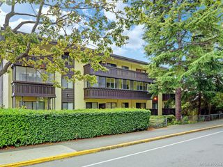 Photo 1: 304 1121 Esquimalt Road in VICTORIA: Es Saxe Point Condo Apartment for sale (Esquimalt)  : MLS®# 405094