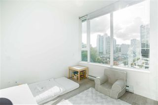 """Photo 8: PH808 522 W 8 Avenue in Vancouver: Fairview VW Condo for sale in """"Crossroad by PCI"""" (Vancouver West)  : MLS®# R2339011"""