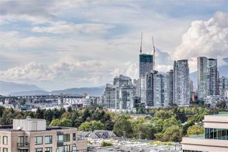"""Photo 2: PH808 522 W 8 Avenue in Vancouver: Fairview VW Condo for sale in """"Crossroad by PCI"""" (Vancouver West)  : MLS®# R2339011"""