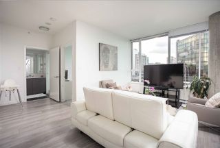 """Photo 6: PH808 522 W 8 Avenue in Vancouver: Fairview VW Condo for sale in """"Crossroad by PCI"""" (Vancouver West)  : MLS®# R2339011"""
