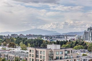 """Photo 3: PH808 522 W 8 Avenue in Vancouver: Fairview VW Condo for sale in """"Crossroad by PCI"""" (Vancouver West)  : MLS®# R2339011"""