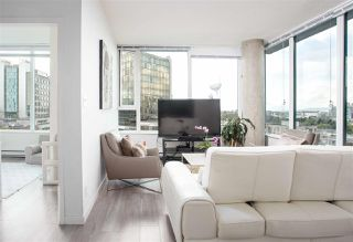 """Photo 7: PH808 522 W 8 Avenue in Vancouver: Fairview VW Condo for sale in """"Crossroad by PCI"""" (Vancouver West)  : MLS®# R2339011"""