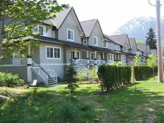 "Main Photo: 18 1800 MAMQUAM Road in Squamish: Garibaldi Estates Townhouse for sale in ""VIRESCENCE"" : MLS®# R2348204"