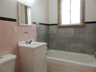 Photo 6: 934 Burrows Avenue in Winnipeg: Residential for sale (4B)  : MLS®# 1905588