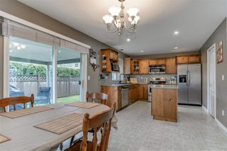 Photo 7: 9421 202A Street in Langley: Walnut Grove House for sale : MLS®# R2350473