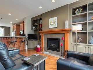 Photo 5: 4026 GARRISON Boulevard SW in Calgary: Garrison Woods Row/Townhouse for sale : MLS®# C4242929