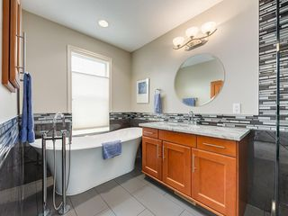 Photo 15: 4026 GARRISON Boulevard SW in Calgary: Garrison Woods Row/Townhouse for sale : MLS®# C4242929