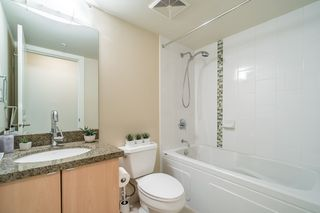 "Photo 14: 906 6068 NO. 3 Road in Richmond: Brighouse Condo for sale in ""PALOMA"" : MLS®# R2367305"
