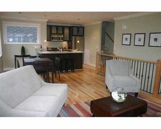 Photo 4: 233 W 11TH AV in Vancouver: Mount Pleasant VW Townhouse for sale (Vancouver West)  : MLS®# V556436
