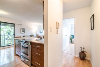 "Photo 4: 304 252 W 2ND Street in North Vancouver: Lower Lonsdale Condo for sale in ""SANDRINGHAM MEWS"" : MLS®# R2370117"