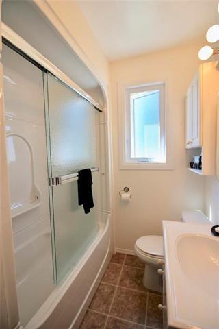 Photo 8: 260 Helmsdale Avenue in Winnipeg: East Kildonan Residential for sale (3D)  : MLS®# 1912944